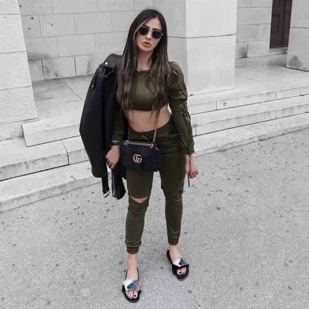 Модные шлепанцы 2019