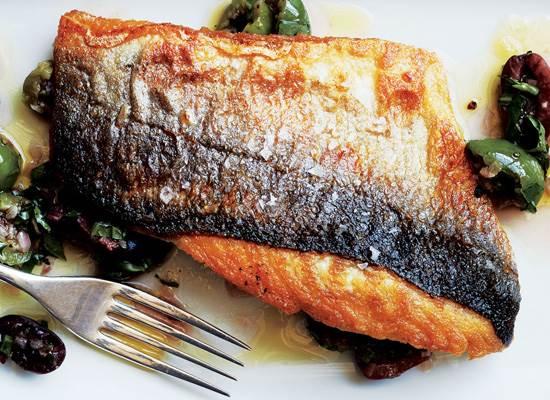 Как приготовить рыбу с хрустящей коркой