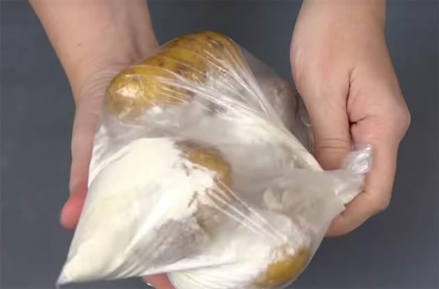 Варим картошку новыми способами: клубни таят во рту