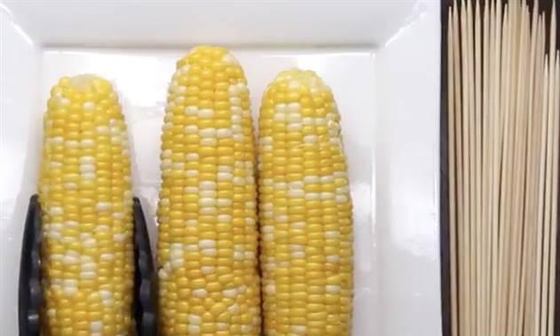 Жарим кукурузу в сыре: гости всегда просят добавки
